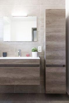 floating cabs/vanity / tall slim linen next to vanity Bathroom Design Luxury, Modern Bathroom Decor, Modern Bathroom Design, Bathroom Styling, Bathroom Furniture, Industrial Bathroom, Bathroom Ideas, Tiny House Bathroom, Small Bathroom