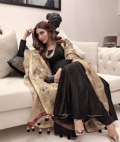 Pakistani Formal Dresses, Pakistani Fashion Party Wear, Pakistani Wedding Outfits, Indian Fashion Dresses, Pakistani Dress Design, Indian Designer Outfits, Indian Outfits, Indian Attire, Indian Wear
