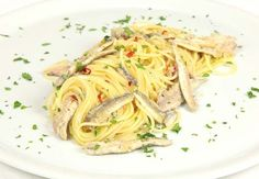 White spaghetti with fresh anchovies, super easy and quite delicious