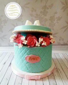 Box with flower 2 by saracakesdecorator