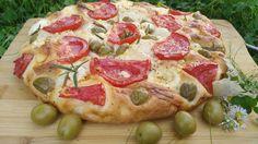 Bakina kuhinja - italijanska fokača na bakin način     Potrebno je:  oko 300 gr brašna  200 ml. vode  1 kašika maslinovog ulja  15 gr kvas...