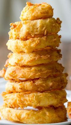 Crisp Double-Dipped Onion Rings Homemade Onion Rings, Onion Rings Recipe, Yummy Appetizers, Appetizers For Party, Appetizer Recipes, Fried Onions, Vegetable Dishes, Vegetable Recipes, Fry Sauce