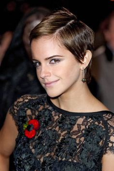 Watson got a magical makeover when the Harry Potter series wrapped filming, trimming her shoulder-length hair into this pixie style that transformed her from Hermione Granger into a red-carpet superstar.