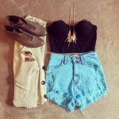 Shorts, sueter