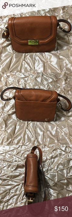 NWT Vince Camuto Signature VINNY Brown Leather Bag NWT Vince Camuto Signature VINNY Brown Leather Crossbody Handbag Vince Camuto  Bags Crossbody Bags