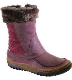 Hoof it through high snow in high style -- this capable cold weather diva warms any girl's heart – and feet. Insulated and waterproof, this frivolous yet functional boot keeps feet dry while giving you solid, comfortable ground to stand on, thanks to its natural-flexing M Select MOVE comfort and winter-specialized M Select GRIP sole.