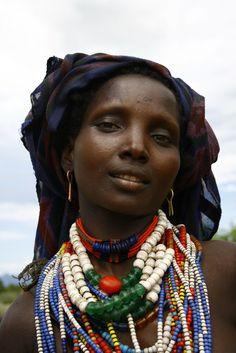 Africa    Ethiopian beauty.  Omo Valley   Photographer ?