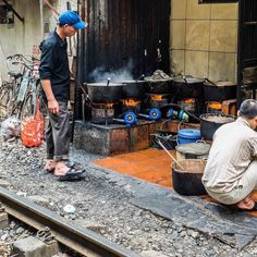 Cooking on the tracks Hanoi.  #instagood #fun #hanoi #visitvietnam #hanoi #travel #travelling #twitter #cooking #railway #traintracks #explore #discover #photography #travelphoto #travelphotography #life #wow #love #food