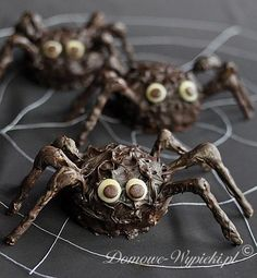 Halloween Recipes : Chocolate spiders for Halloween {not in English}