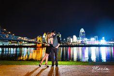 Cincinnati Skyline Engagement photography by Maxim Photo Studio with Cindy and Brandon https://maximphotostudio.com