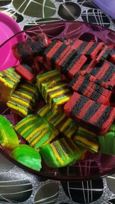 Colorful.. sarawak's layers cakes.. my fav nyum!
