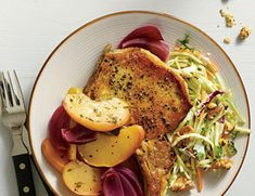 This is a delicious version of classic baked pork and apples. Serve with a simple broccoli slaw mixed with toasted walnuts and parsley and tossed with a light mayonnaise dressing.View Recipe: Oven Baked Pork and Apples Healthy Pork Chops, Apple Pork Chops, Baked Pork Chops, Pork Loin, Pork And Apple Recipe, Apple Recipes, Pork Recipes, Pork Meals, Pork