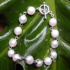 Treasure Pearl Bracelet