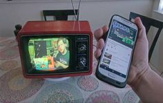 مثير: مبتكر ينجح في تحويل تلفزيون قديم من السبعينات إلى تلفزيون ذكي ! (فيديو) http://ift.tt/1NfSwze