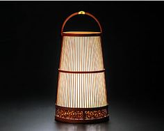Bamboo work Andon(行灯) Bamboo Light, Bamboo Art, Light In, Hanging Lanterns, Candle Lanterns, Bamboo Restaurant, Traditional Lamps, Japanese Home Decor, Room Lamp