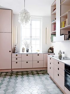 Blush is the new neutral and rooms that get it right. | Apartment Therapy