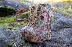 Floral lace up wedges Floral Wedges, Lace Up Wedges, Floral Lace, Shoes Heels Boots, Heeled Boots, Ankle Boots, Lolita Shoes, Nicholas Kirkwood, Dream Shoes