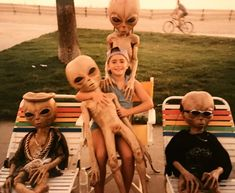 Lily Collins's image on WhoSay - Hanging with my crew in Venice Beach. Lily Collins, Aliens And Ufos, Ancient Aliens, Mundo Hippie, Alien Aesthetic, Aesthetic Grunge, Alien Invasion, Alien Art, Area 51