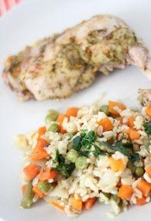 Kurczak z ryżem i warzywami, czyli proste danie jednogarnkowe | Zdrowe Przepisy Pauliny Styś Blue Cafe, Fried Rice, Risotto, Fries, Food And Drink, Chicken, Ethnic Recipes, Diet, Stir Fry Rice