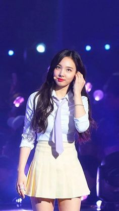 Nayeon - Twice💛 Kpop Girl Groups, Korean Girl Groups, Kpop Girls, South Korean Girls, Warner Music, Nayeon Twice, Twice Kpop, Elizabeth Gillies, Im Nayeon