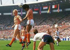 Holland 3 England 1 in 1988 in Dusseldorf. Frank Rijkaard heads clear for Holland in this Group B clash at Euro World Football, Football Players, Ronald Koeman, Kids Soccer, Hero, Group, Fitness, Sports, Holland