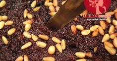"""Storia della torta nera paesana Questa torta è tipica della Brianza, zona geografica vicina a Milano che comprende anche le province di Monza e Lecco, fino a Como. Le vengono attribuiti differenti nomi alternativi come """"Torta di pane"""", """"Pacianella"""", """"Torta nera"""" oppure """"Torta dei morti"""";..."""