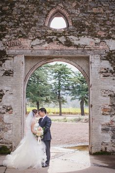 Dunfillan Ruins - Kunde Family Estate - Photography: Jasmine Star - www.jasminestar.com Read More: http://www.stylemepretty.com/2014/10/24/natural-romance-in-wine-country/