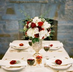 Winter Red and White Centerpiece | photography by http://meetthemccartneys.com/
