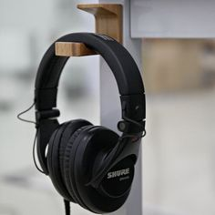 Shure  SRH750DJ DJ  Headphone is a headphone that is designed only for you 37da2f11ad