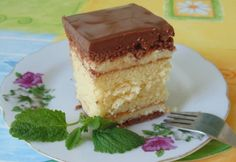 Pesti szelet recept képpel. Hozzávalók és az elkészítés részletes leírása. A pesti szelet elkészítési ideje: 80 perc Hungarian Cake, Hungarian Recipes, Hungarian Food, Vanilla Cake, Pesto, Tiramisu, Ethnic Recipes, Sweet, Candy