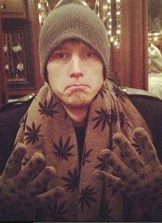 MGK cold in Canada