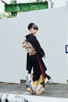 """中目黒の着物屋カプキ、""""生涯着られる""""振袖「ゆえん」を発表 Traditional Japanese Kimono, Traditional Fashion, Traditional Dresses, Yukata Kimono, Kimono Dress, Harajuku Fashion, Japan Fashion, Kimono Fashion, Fashion Dresses"""