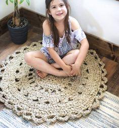 DIY Crochet doily rag rug made from bed sheets // Horgolt szőnyeg pólófonalból egyszerűen - virág csipke szőnyeg // Mindy - craft tutorial collection // #crafts #DIY #craftTutorial #tutorial