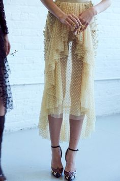 TatiTati Style 🌸 Backstage at Rodarte Runway Fashion, High Fashion, Fashion Beauty, Womens Fashion, Fashion Trends, 50 Fashion, Cheap Fashion, Skirt Fashion, Fashion Styles