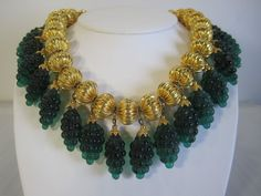 VINTAGE DELILLO GREEN GRAPE GLASS CHUNKY NECKLACE | Jewelry & Watches, Vintage & Antique Jewelry, Costume | eBay!