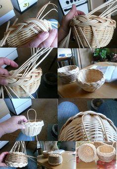 Newspaper Basket, Old Newspaper, Willow Weaving, Basket Weaving, Weaving Designs, Paper Weaving, Weaving Techniques, Indian Art, Rattan