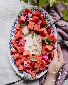 Coleslaw, Summer Recipes, Hummus, Feta, Healthy Lifestyle, Salads, Snack Recipes, Food And Drink, Ethnic Recipes