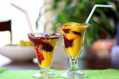 Mango-Berry Swirled Smoothies by Perry's Plate #Smoothies #Mango #Berry #perrysplates