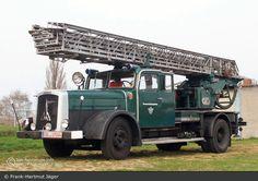 Gerestaureerde WO2 brandweerauto's