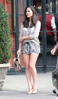 Beautiful Floral Print Shorts Casual Style Outfit.