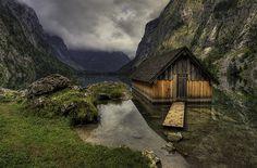 Mountain lake cabin