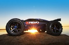 E-Revo Brushless: Scale Brushless Electric Racing Monster Truck. Ready-to-Race® with TQi Radio System and Traxxas Link Wireless Module, Power System, and weather-sealed electronics. Includes: Two NiMH Traxxas iD battery packs and DC peak detecting charger Model Hobbies, Rc Hobbies, Slot Cars, Rc Cars, Traxxas Rustler, E Revo, Rc Trucks, Radio Control, Monster Trucks