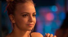 L'actrice de ''Fugueuse'' pose un geste magnifique pour la prévention de la fugue La Fugue, Tv Series, Tatoo, Life