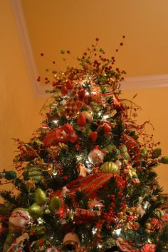 Christmas Trees Decorated with Mesh | ... Creations: Decorating A Christmas Tree With Mesh Ribbon Tutorial