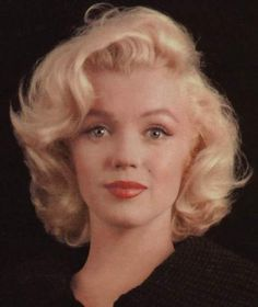 Marilyn Monroe photographed by Milton Greene. Marylin Monroe, Estilo Marilyn Monroe, Marilyn Monroe Photos, Old Hollywood, Hollywood Glamour, Classic Hollywood, Norma Jeane, Belle Photo, Beautiful Women
