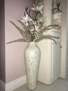 Ivory Mother-of-Pearl Floor Vase Tall Vase Decor, Floor Vase Decor, Home Decor Vases, House Decorations, Art Deco Interior Living Room, Art Deco Home, Large Floor Vase, Tall Floor Vases, Tall Floral Arrangements