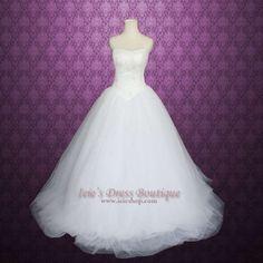 Vera Wang Inspired Strapless Princess Wedding Dress $515