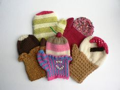 Downloadable knitting pattern  A selection of ice cream inspired DK mittens in four sizes to suit age range from 3 years to adult. A pair of mittens will take less than 50g (1½ ozs) yarn in total so this would be an ideal pattern for using up your stash. I have listed the actual
