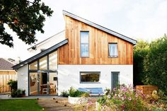 Simeon Rich and Sarah Farquharson have transformed a modest 0.1 acre plot into the site of a striking contemporary home — built for just £825/m²