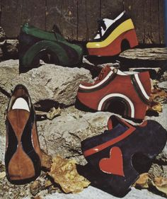 1970s Platform Shoes heels pumps red black brown green stripes vintage fashion style print ad